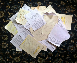 randomstoryteller.com papers on floor