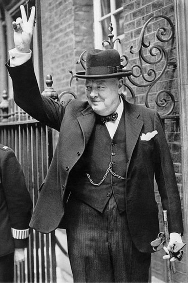 367x551 Winston Churchill and victory sign